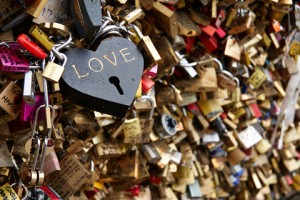 http://www.dreamstime.com/stock-photography-love-locks-image37852972